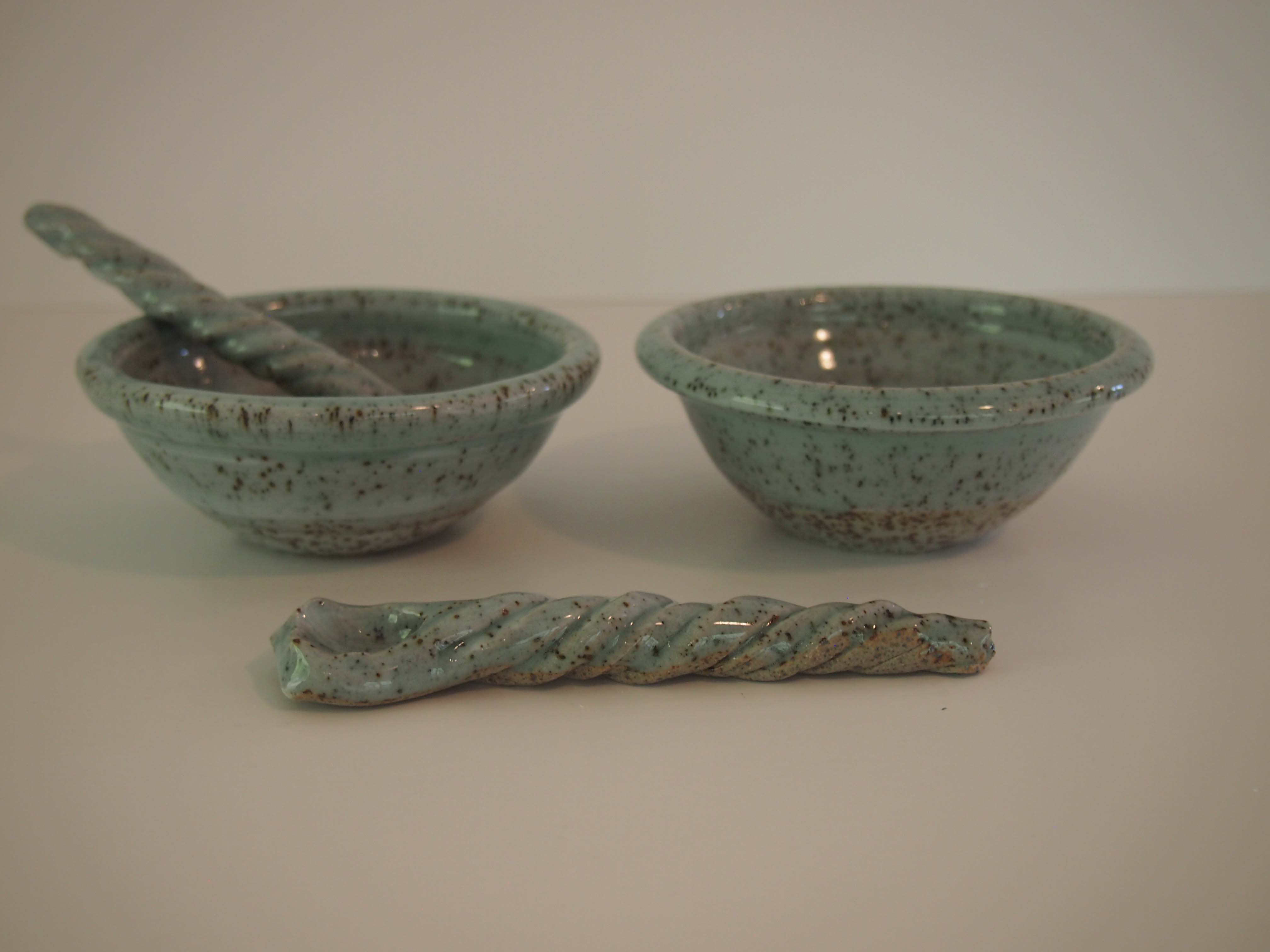 Stoney dipping bowls and spoons